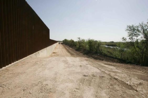 D28C88F8C12E72679440EEB708214BF1.new-border-line-wall-photogallery